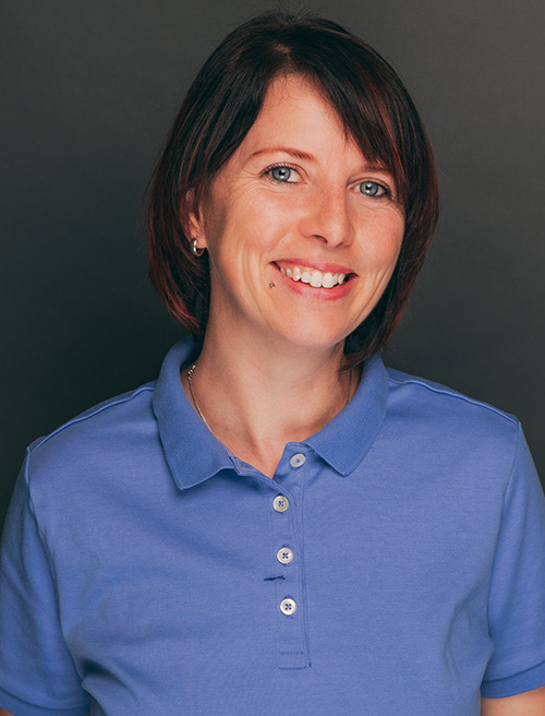Prophylaxeassistentin Katja Hermes aus der Zahnarztpraxis Nagel in Themar